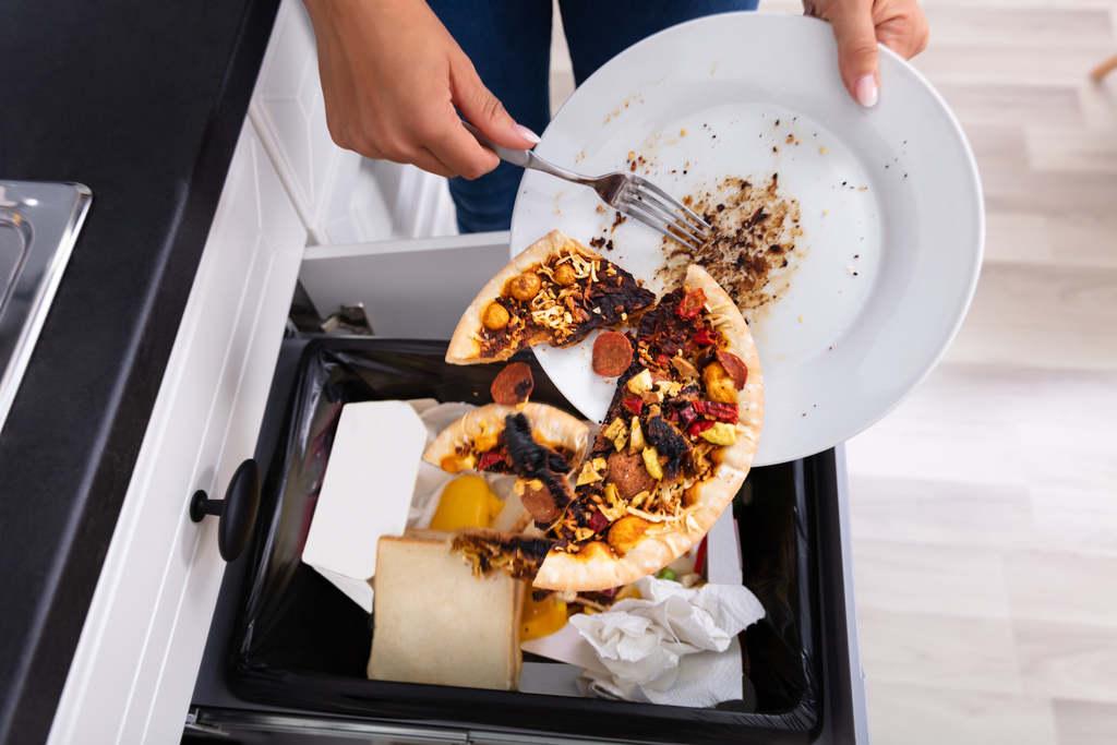 Egy magyar évente, átlagosan 68 kiló élelmiszert dob ki