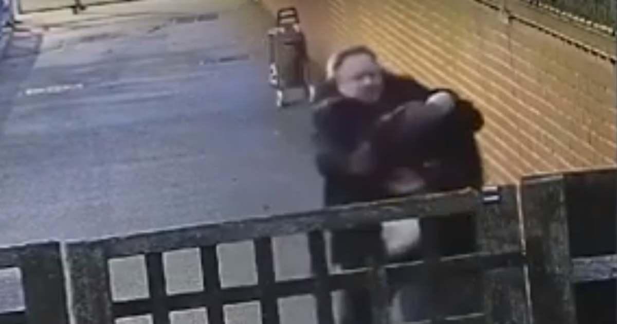 Sokkoló: fényes nappal, a nyílt utcán támadt rá a terhes nőre egy őrjöngő férfi