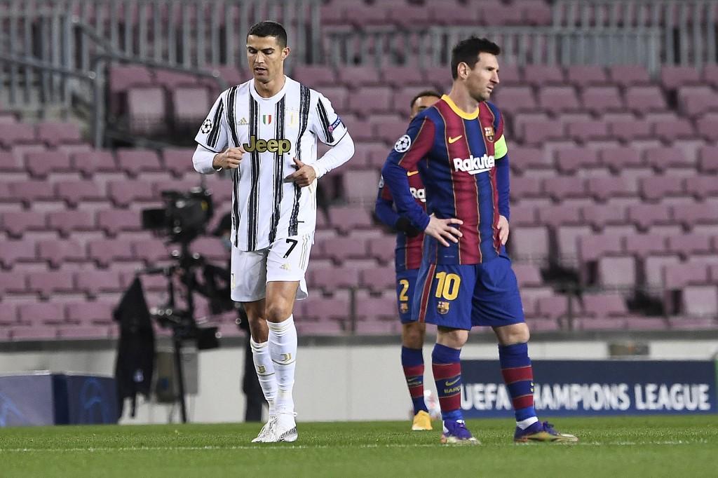 Ronaldo (balra) és Messi a decemberi Barca-Juve (0-3) BL-rangadón még egymás ellen játszott