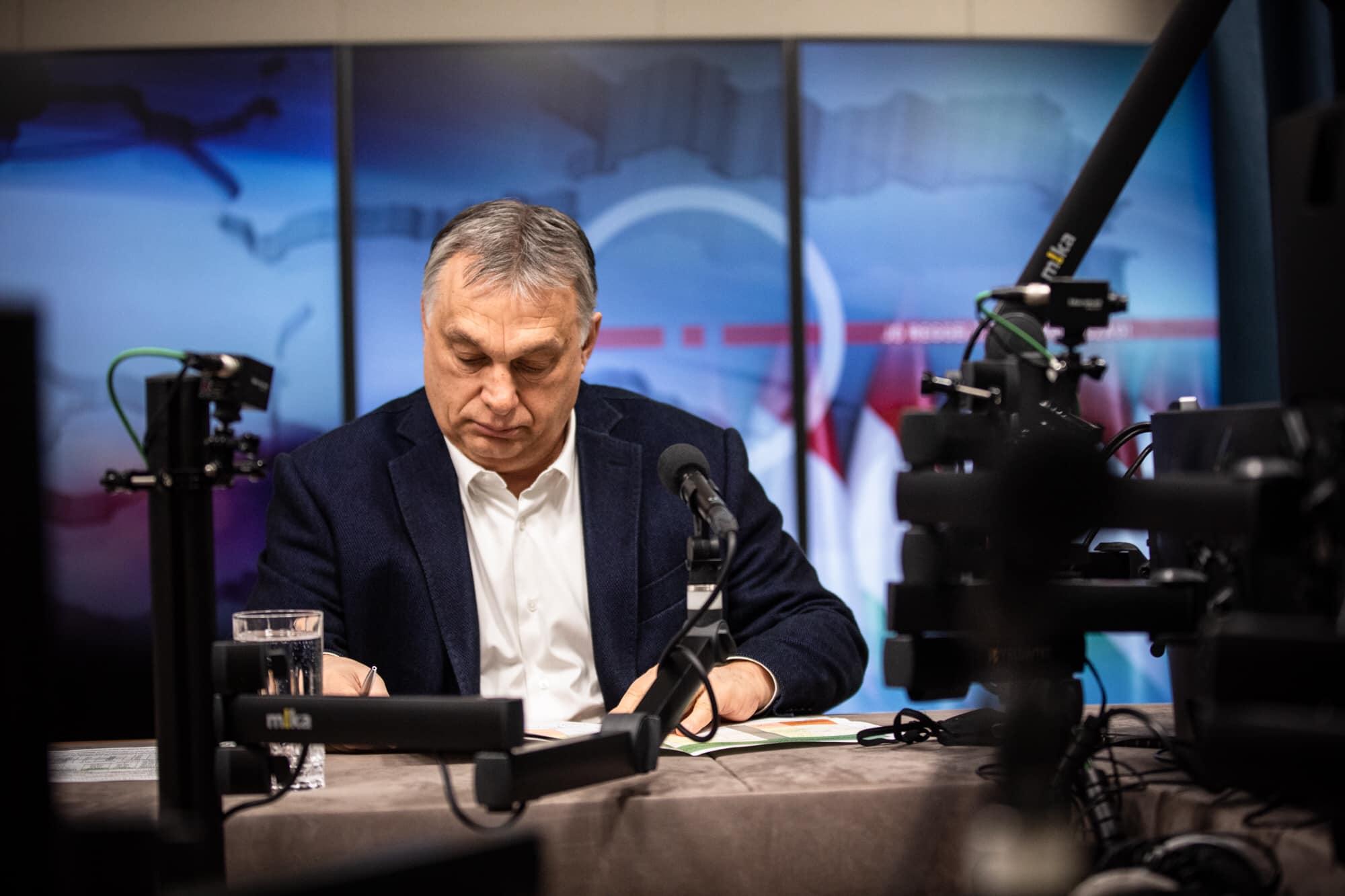 Orbán Viktor a Kossuth Rádióban beszélt a kormány döntéseiről