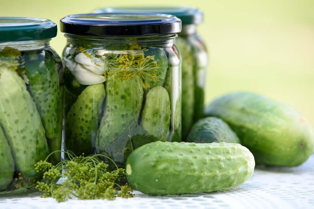A savanyú uborkalé univerzális, ugyanis takarításra és koktélokhoz is használhatjuk