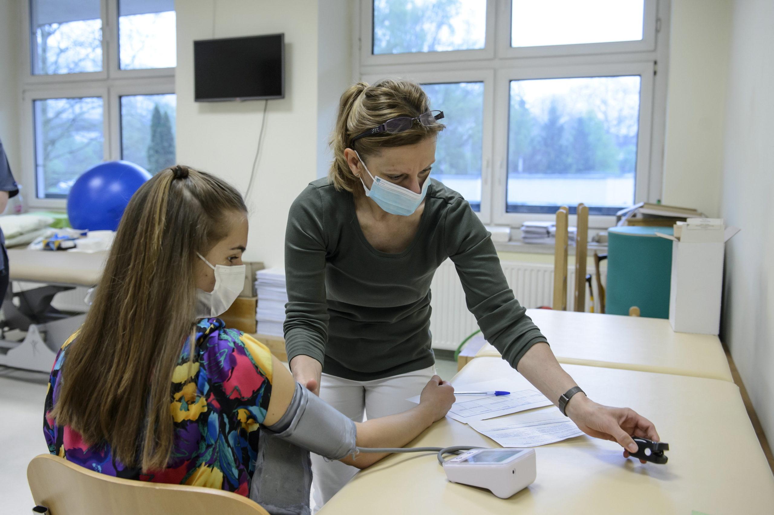Fiatalok oltása, vakcina,16-18 évesek