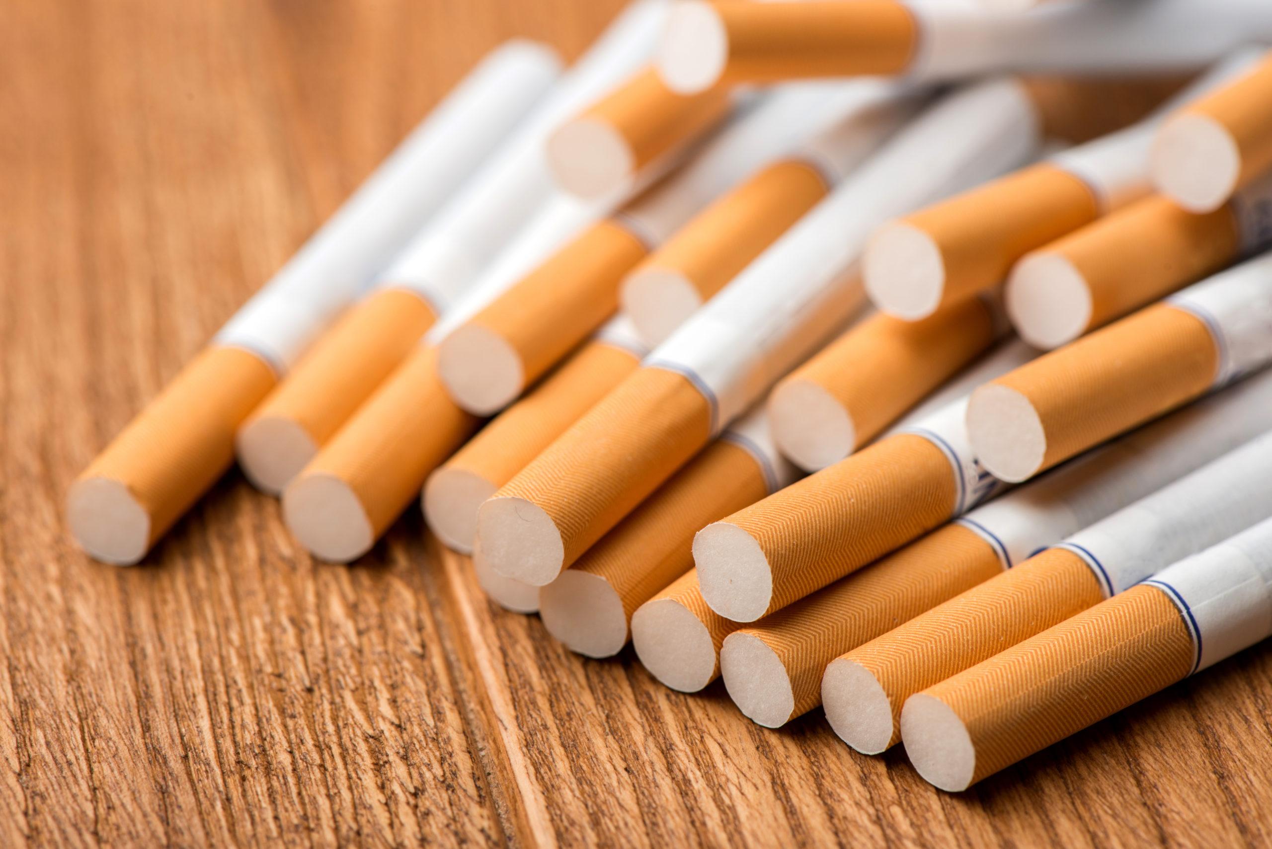 dohányzás számára kijelölt helyek kivételével a munkahelyen nem szabad dohányozni Fotó: shutterstock