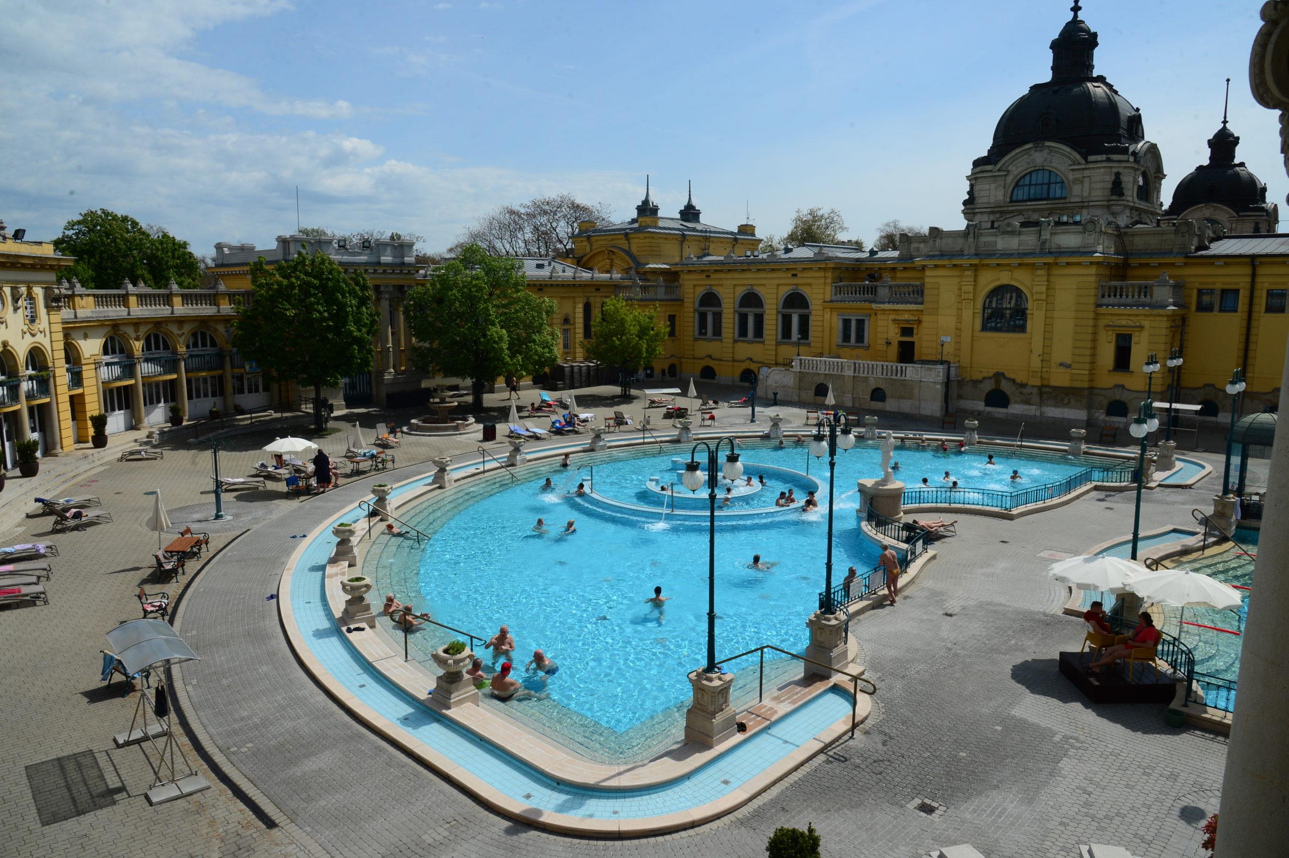 fürdő, Budapest