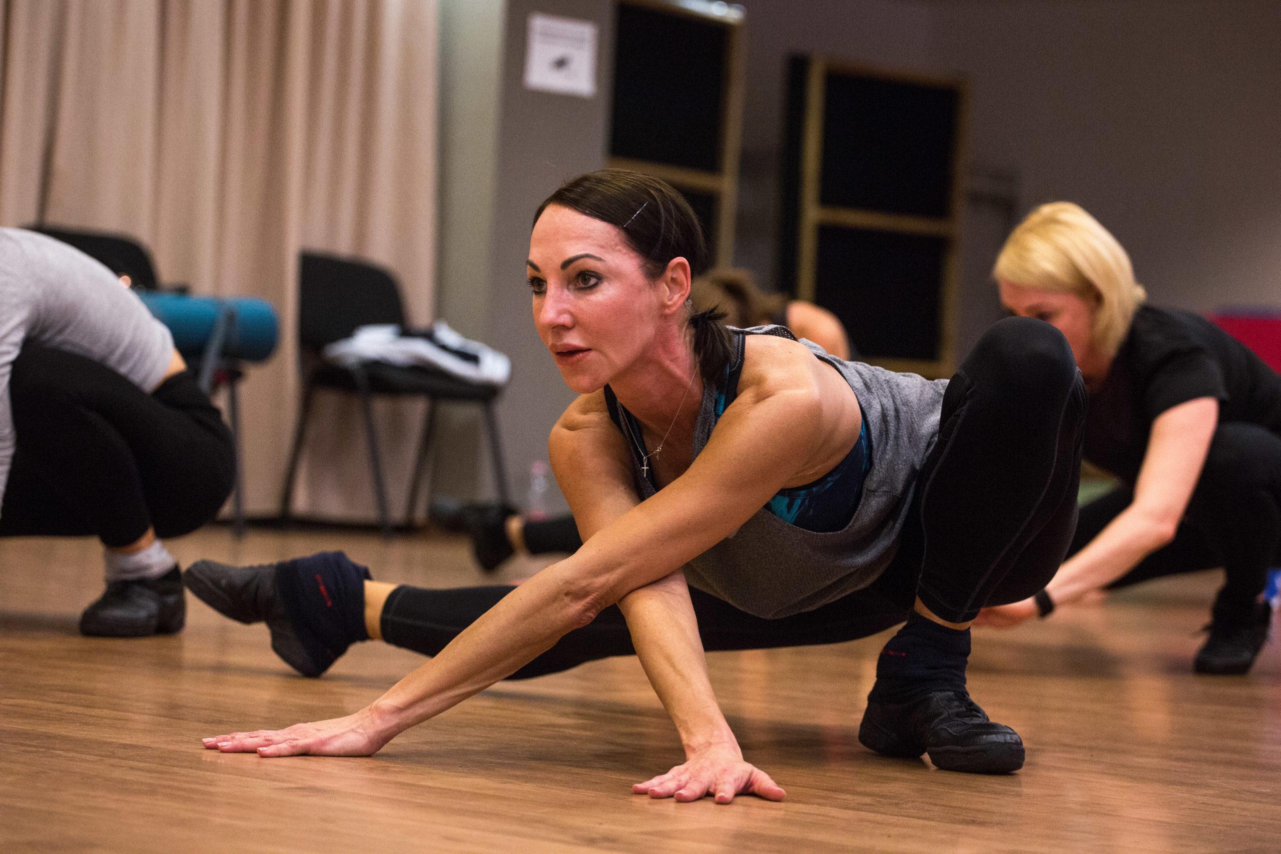 Többek szerint a balerina, Juratsek Julianna féltékenységbôl ment neki Rékának