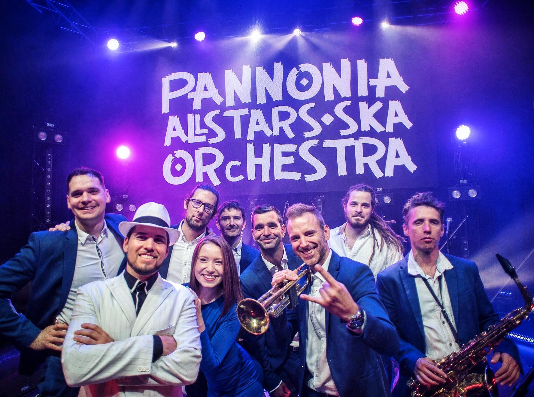 A PASO zenekart az olimpia hangulata ihlette, de a dalba fogalmazott életérzés bármely sporteseményen, világversenyen aktuális lehet.